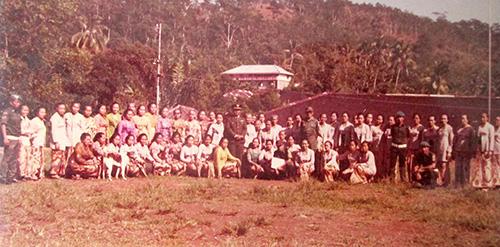 para tahanan perempuan berpose setelah merayakan hari kartini di plantungan. dokumentasi pipit ambarmirah